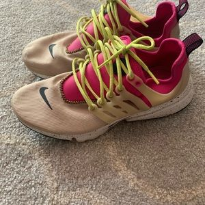 Nike air presto shoes cream & pink 7.5